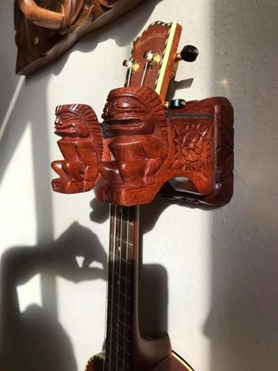 Ukulele / Guitar Holder